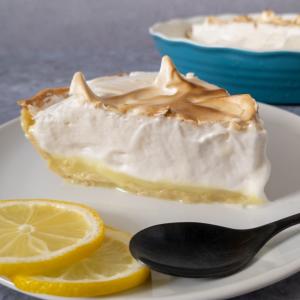The best lemon meringue pie, made with aquafaba.